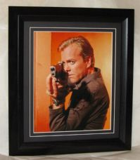 A196KS KIEFER SUTHERLAND SIGNED
